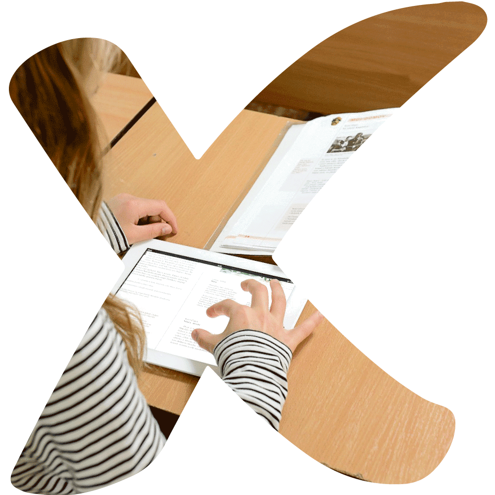 icon XL of K-net partner Flexibooks with a big X and a girl using a book reader in school