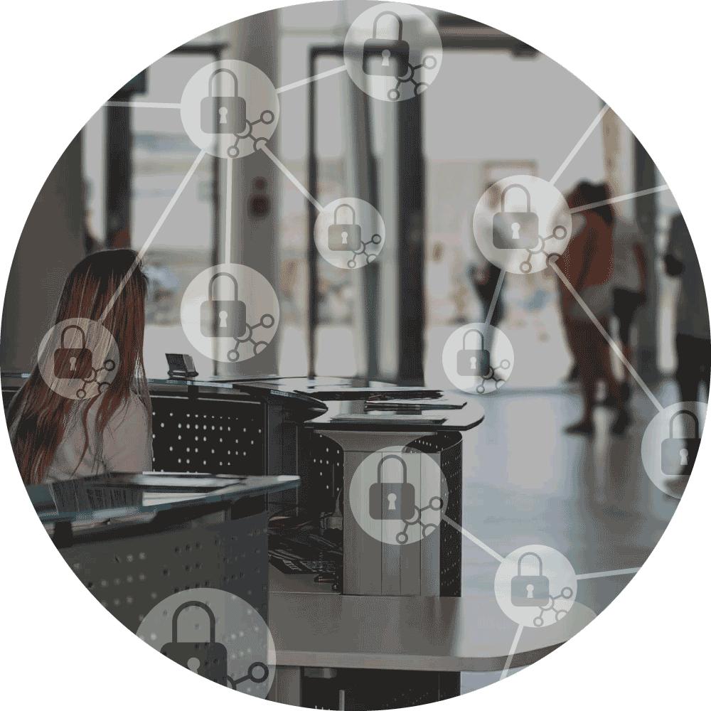 Pohled na recepci firmy v hale s ikonami GDPR