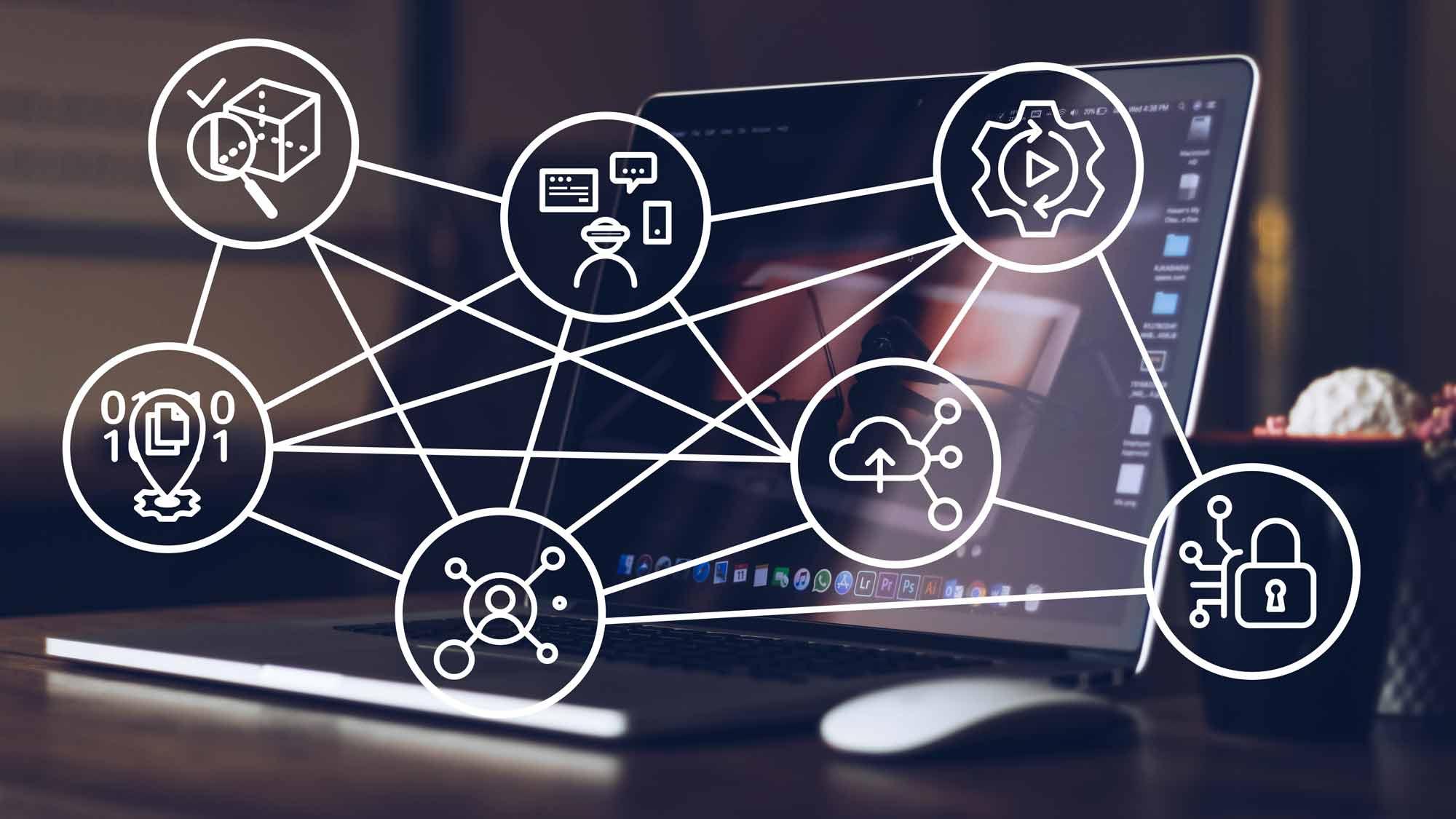 Technologické trendy 2020 dle Gartnera: 7 ikon na tmavém pozadí spočítačem