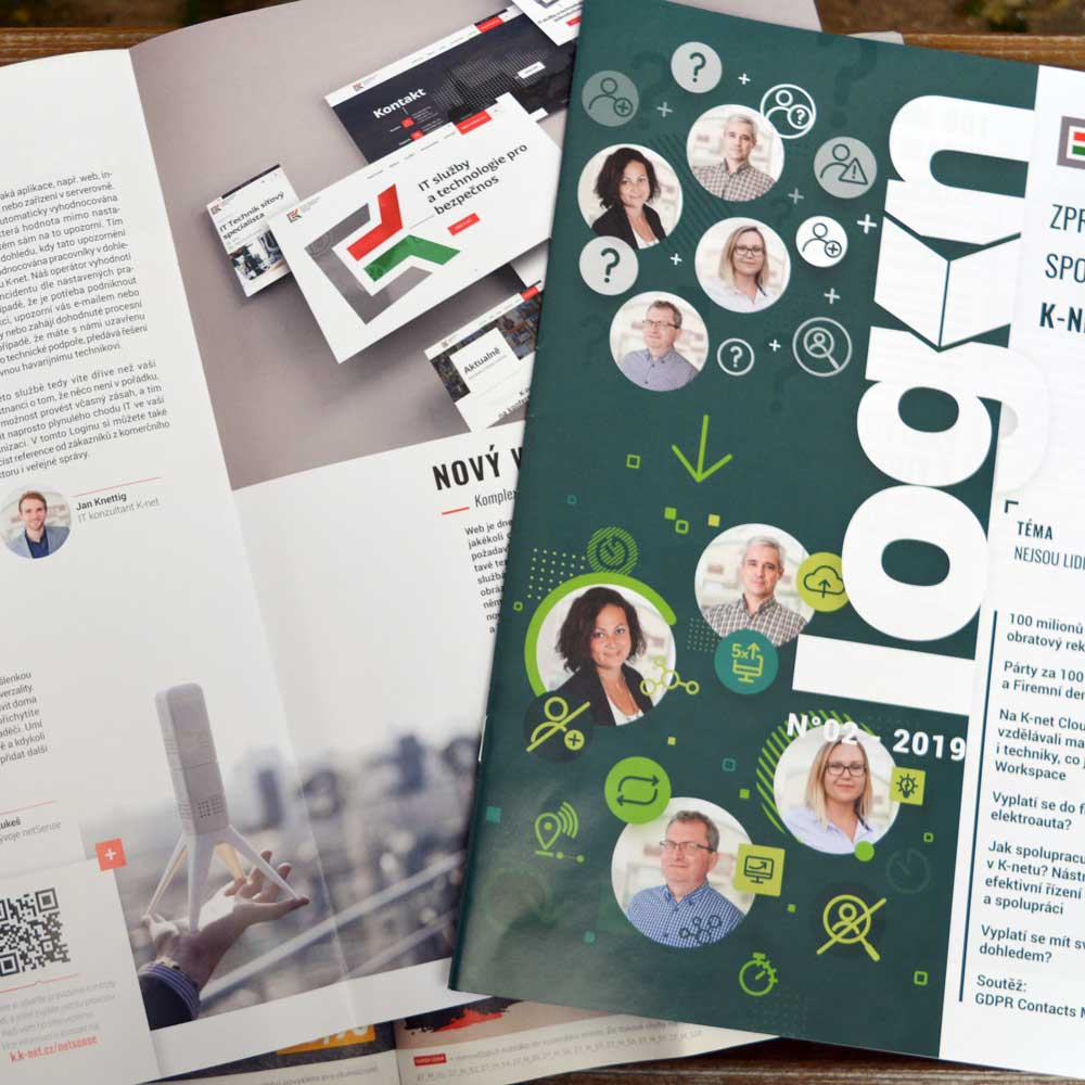 Pohled na časopis K-net Login, otevřen na lavičce